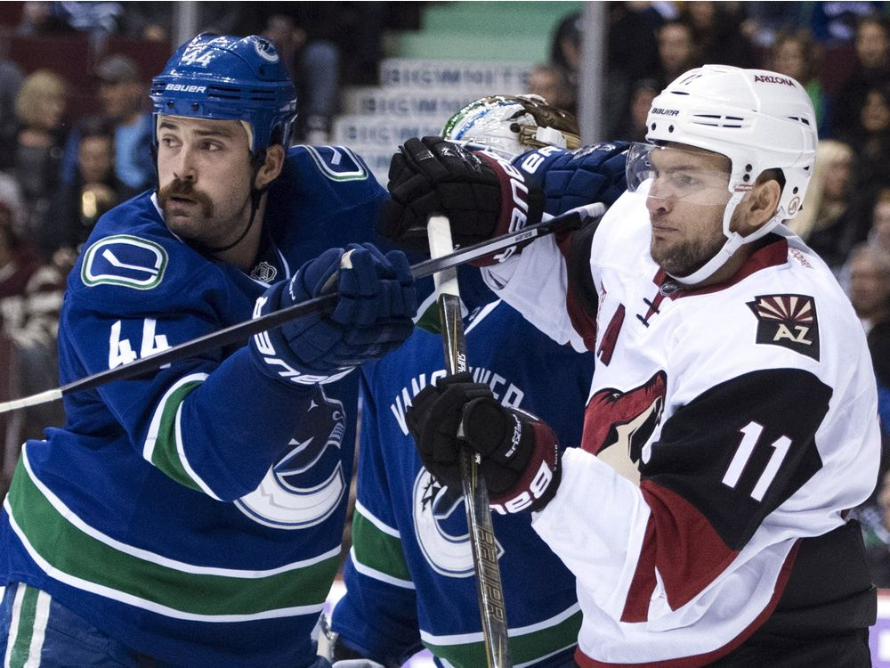 HKN Coyotes Canucks 20161117